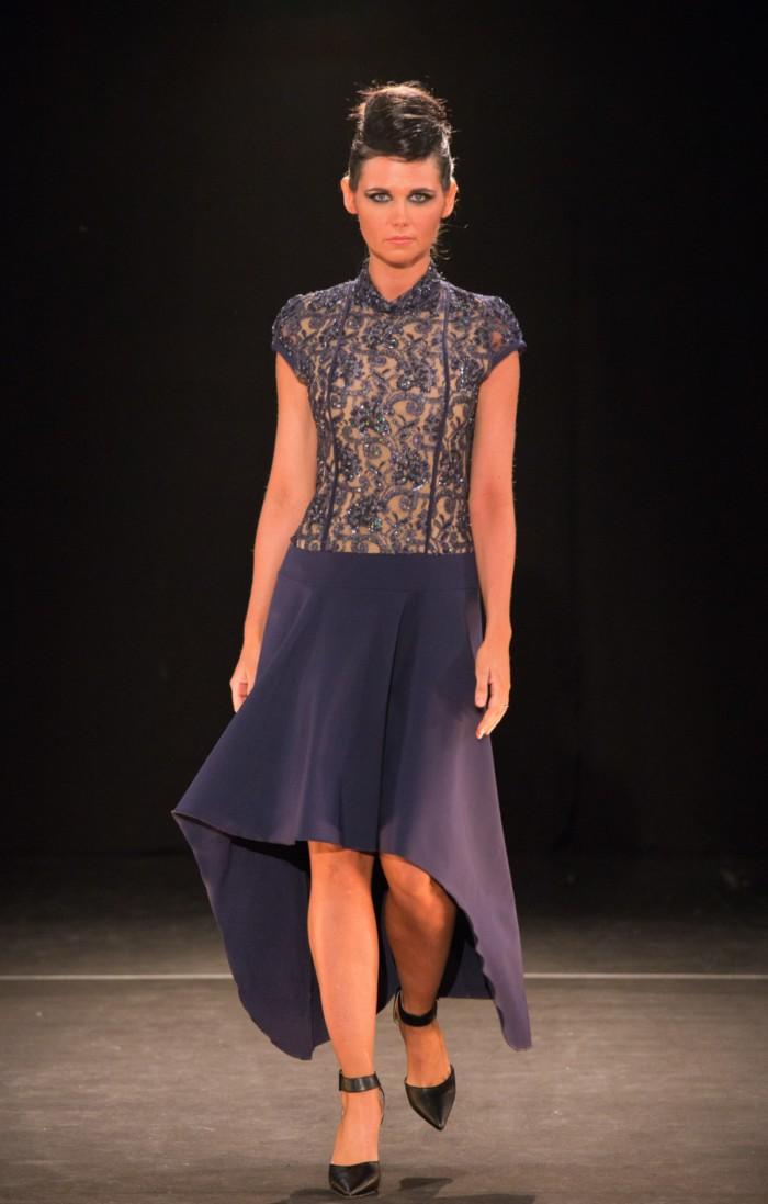 robe néoprène et perlée